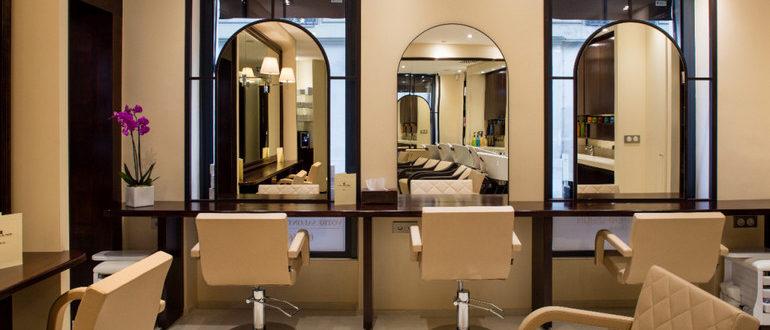 Наработав опыт в сфере услуг на дому, можно открыть свой салон красоты
