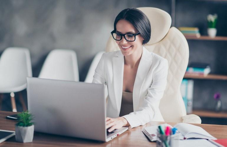 Из желающих иметь свой бизнес — большая часть — молодые женщины