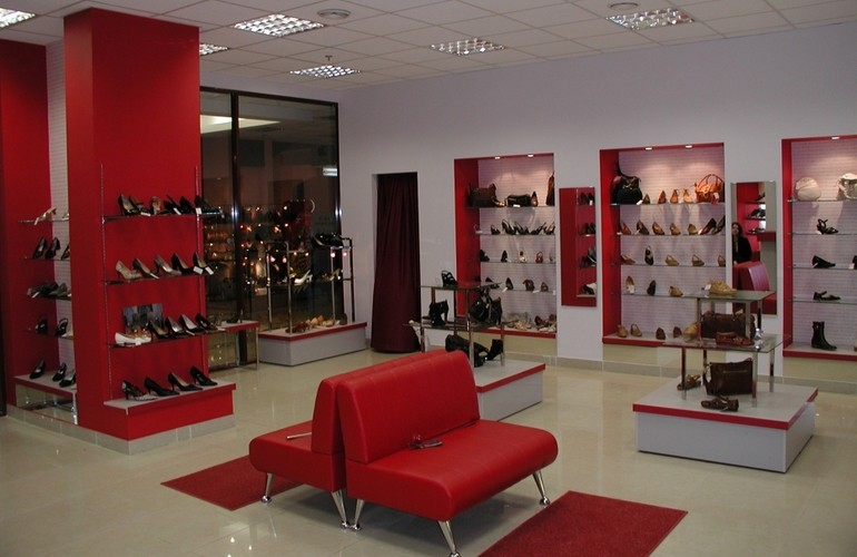 В обувном магазине необходимо создать комфорт для покупателя
