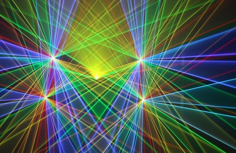 При составлении бизнес-плана следует уделить особое внимание самому лазерному шоу
